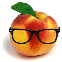 Geeky Peaches Logo
